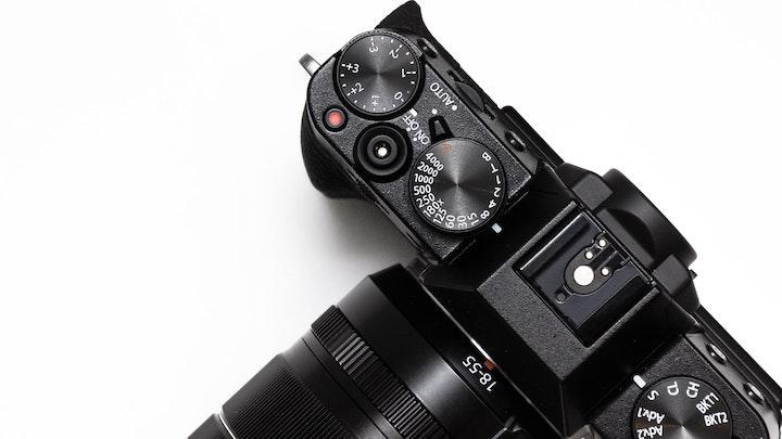 わざわざ一眼レフカメラで毎日・毎回写真を撮るのは無理!