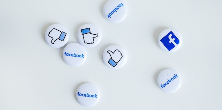 朝起きて一番にフェイスブックを見る生活は大学生の時に始まった!