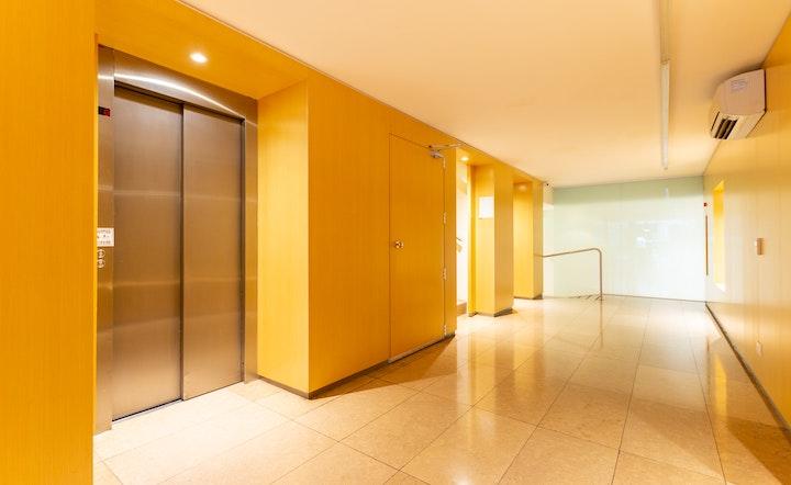 高級マンションと普通のマンションで引越し作業を経験しました!